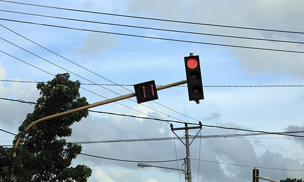 В Москве 600 светофоров заработали в режиме «кругом красный»
