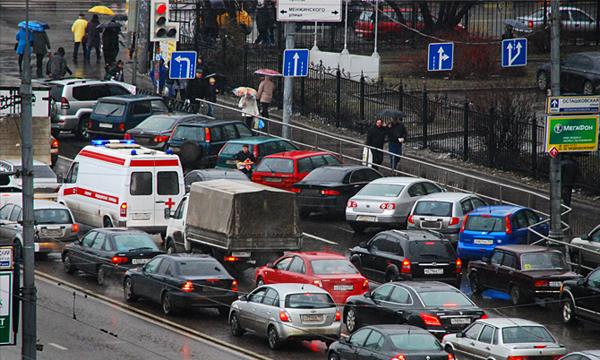 В Москве «зеленую волну» подстроят под скорость потока