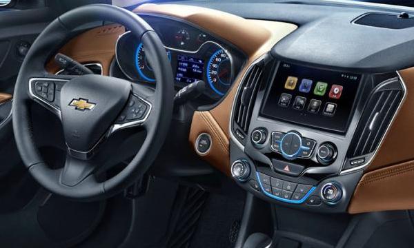 Chevrolet показал интерьер нового Cruze