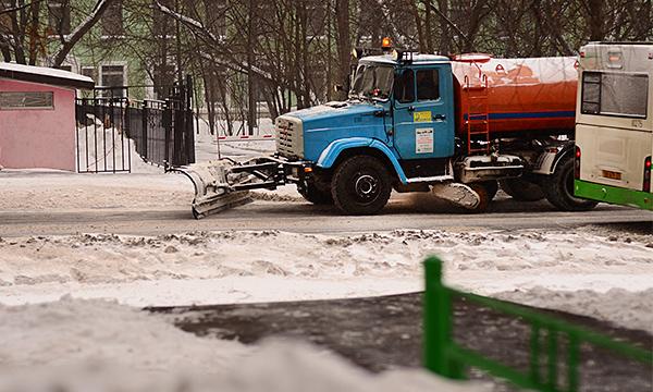 В Москве коммунальная техника начнет фиксировать нарушения ПДД