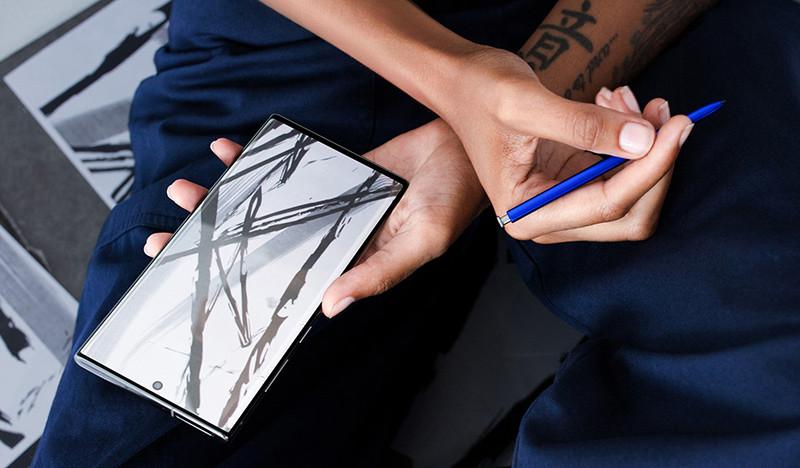 Смартфон Galaxy Note 10+ со стилусом