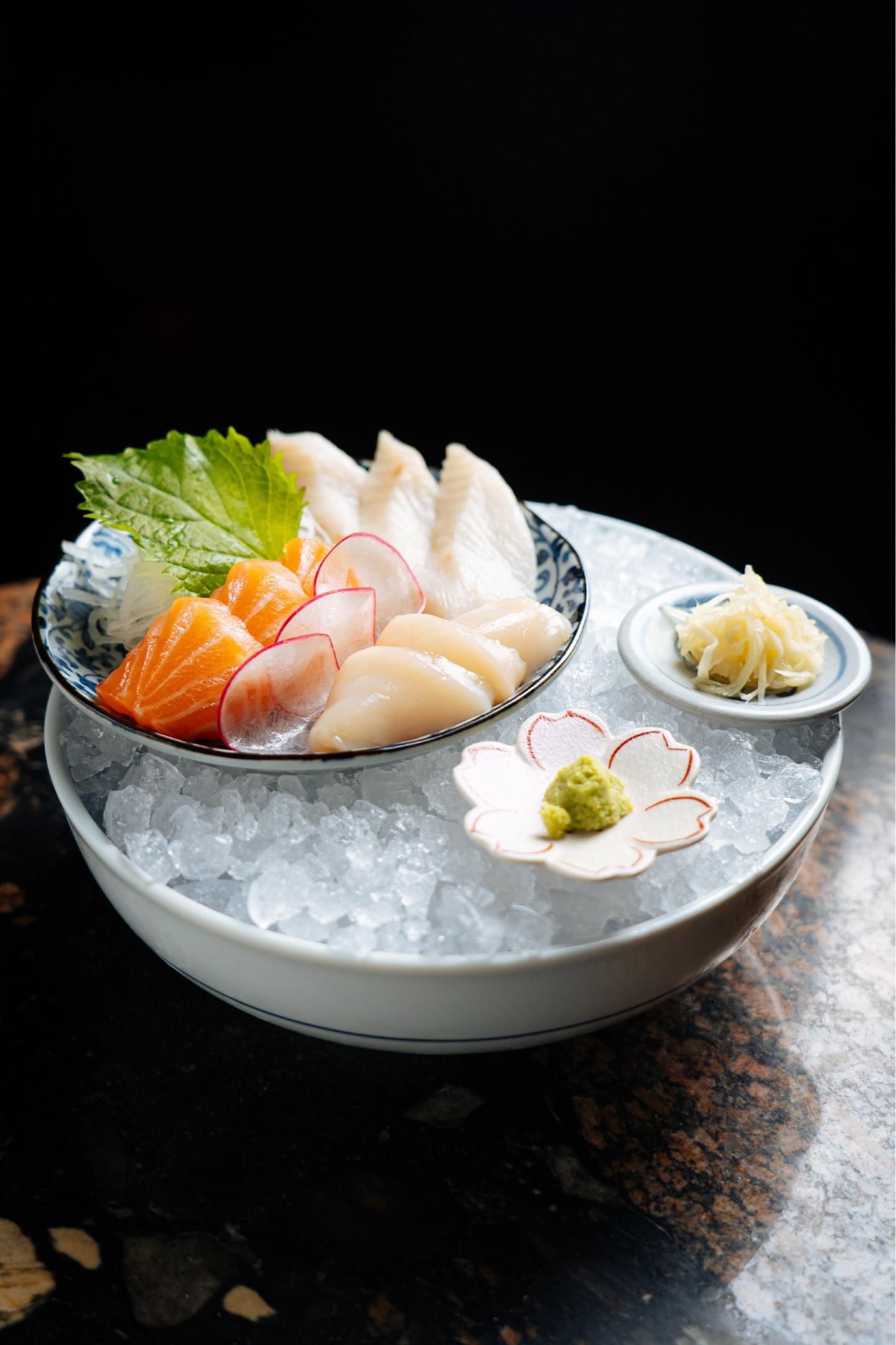 Сет с сашими из рыбы и морепродуктов