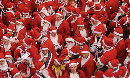 Детские автобусы в Москве будут водить Деды Морозы