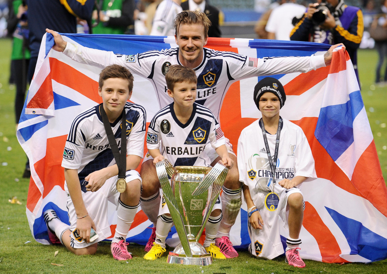 Дэвид Бекхэм с сыновьями после победы «Лос-Анджелес Гэлакси» в финале Кубка MLS