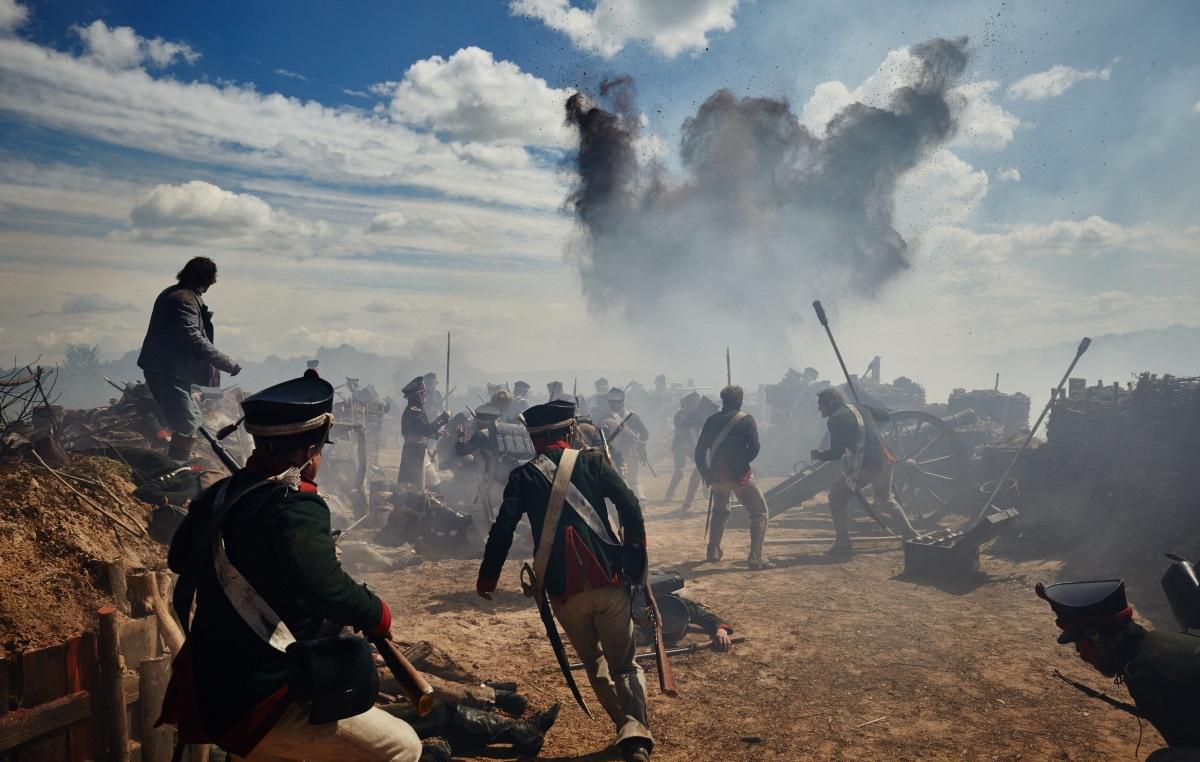 Кадр военного сражения из сериала «Война и мир»