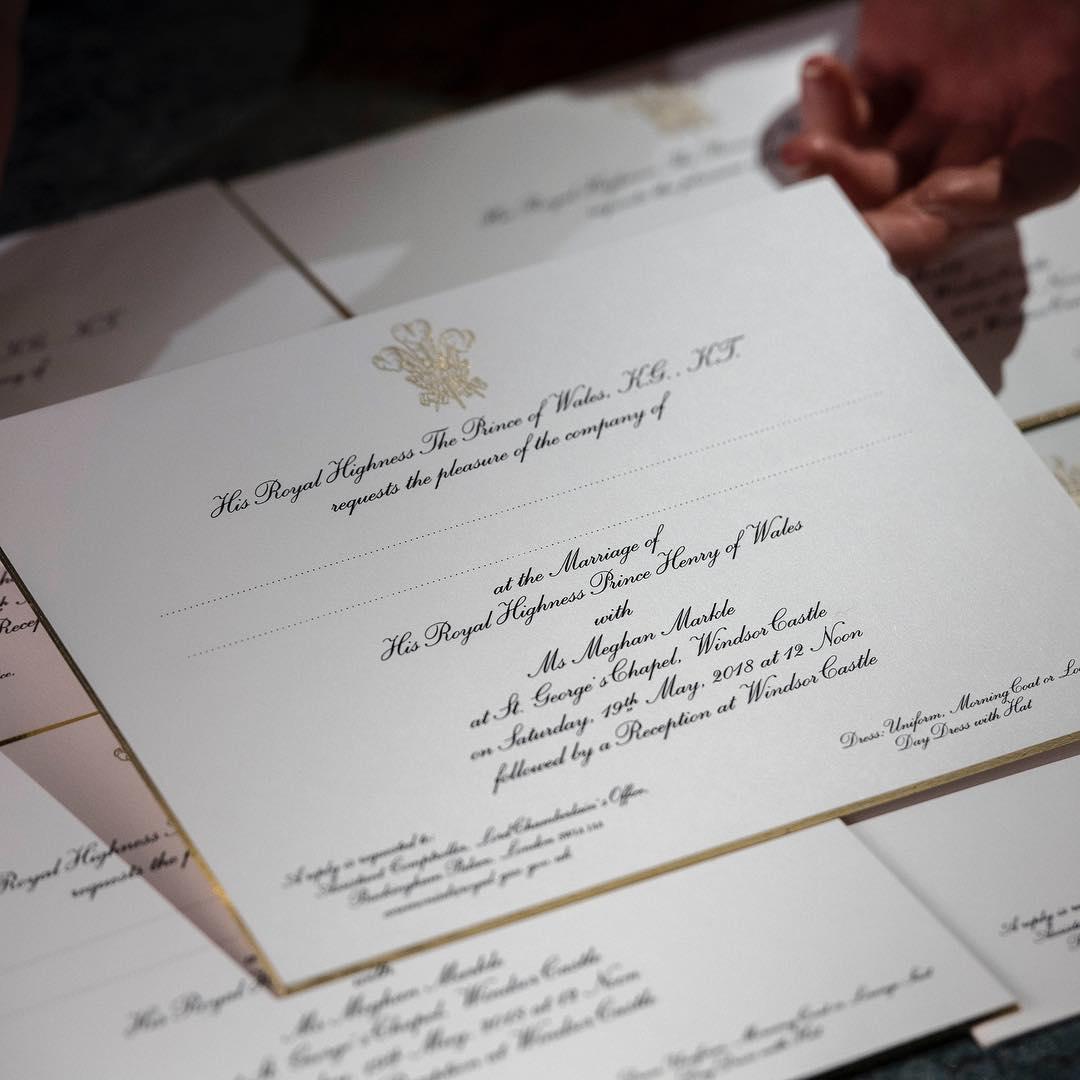 Пригласительные карточки, изготовленные типографией Barnard & Westwood по случаю свадьбы принца Гарри и Меган Маркл