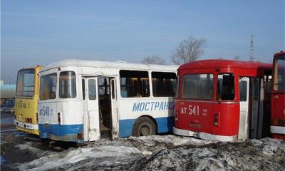 Более половины парка городского транспорта в РФ выработало свой ресурс