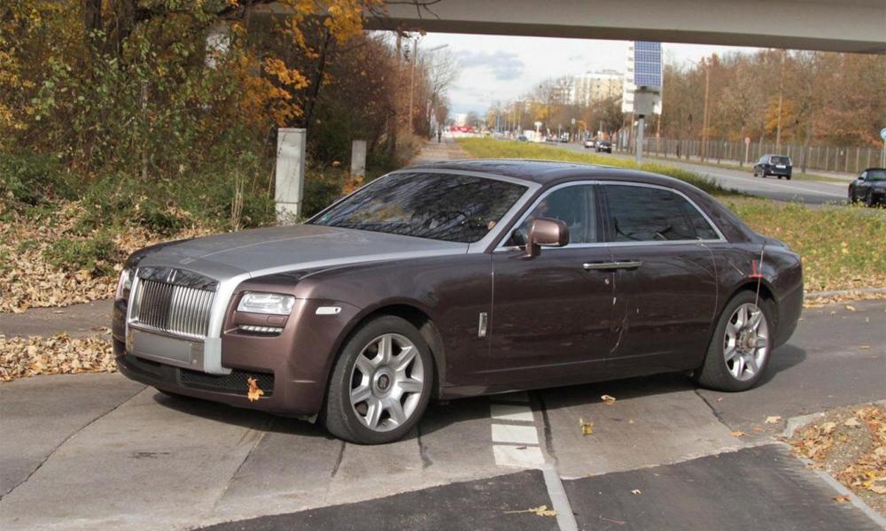 Шпионские фото длиннобазного Rolls-Royce Ghost EWB