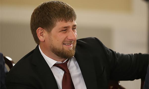 Рамзана Кадырова оштрафовали за непристегнутый ремень