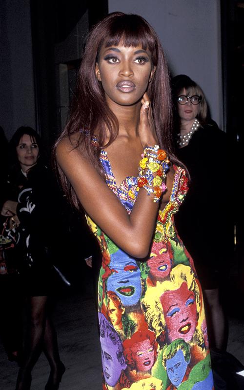 Наоми Кэмпбелл в платье Versace по мотивам работ Энди Уорхола