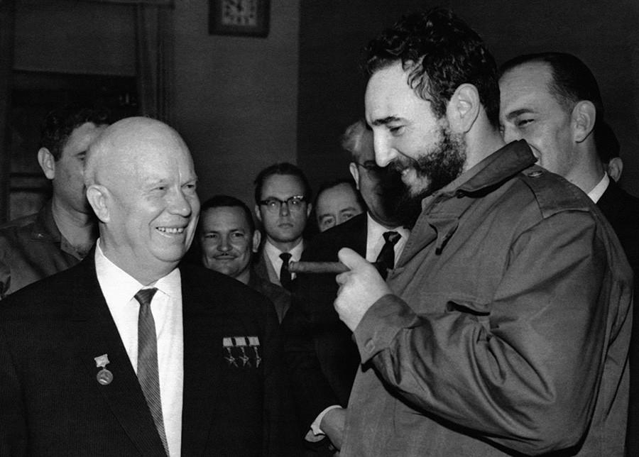 Никита Хрущев и Фидель Кастро