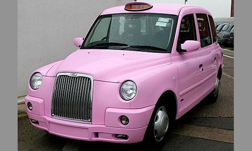 Лондонские такси перекрасили в розовый