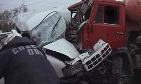 Три человека, в том числе подросток, погибли в ДТП на нижегородской трассе