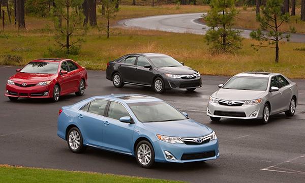 Toyota стала крупнейшим автопроизводителем в мире