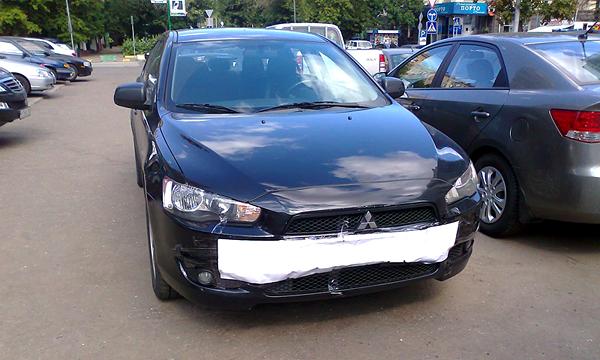 За припаркованную машину без номеров оштрафуют на 5 тысяч рублей