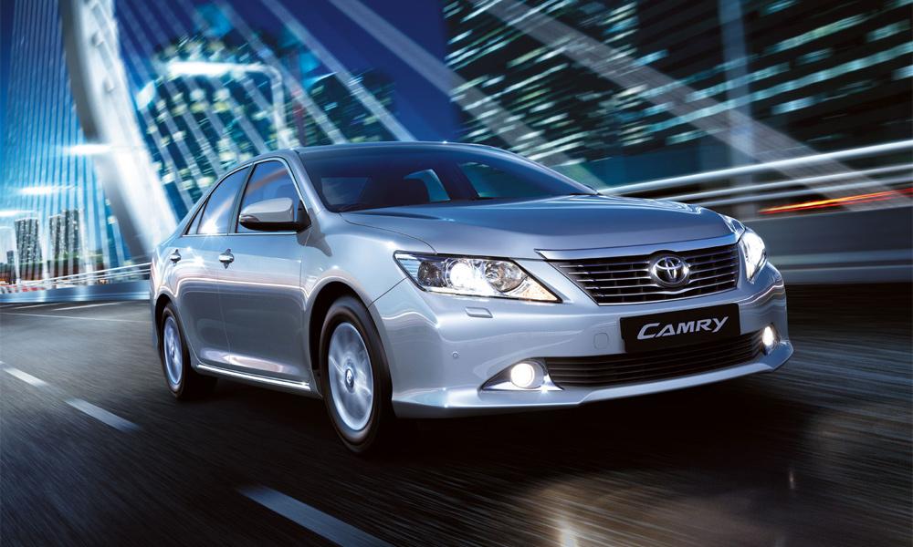 Новая Toyota Camry появится в России в ноябре