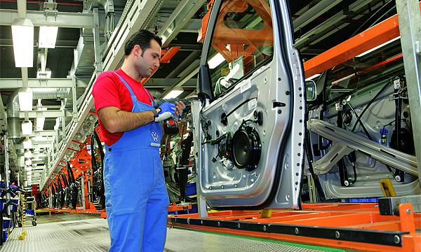 Volkswagen сокращает 6000 работников бразильских заводов