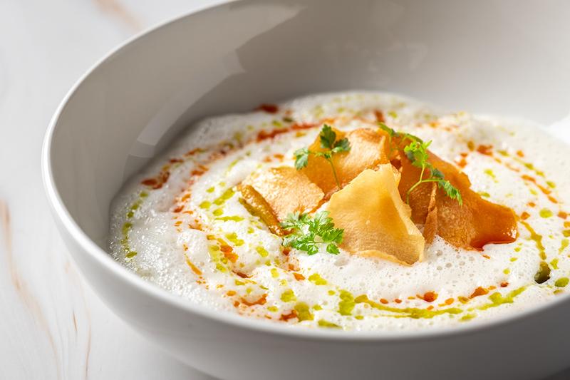 Крем-суп из топинамбура с палтусом