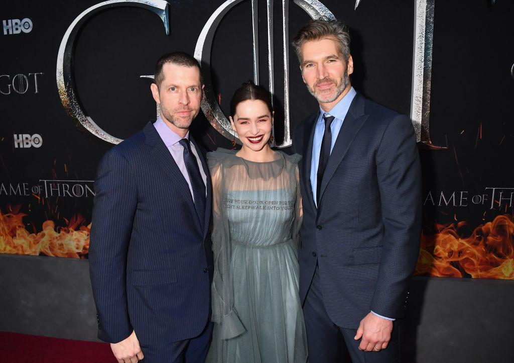 С режиссерами «Игры престолов» Д. Б. Уайссом и Дэвидом Бениоффом на премьере восьмого сезона в Нью-Йорке, 2019
