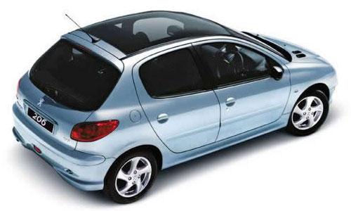 Начались российские продажи Peugeot с панорамной крышей