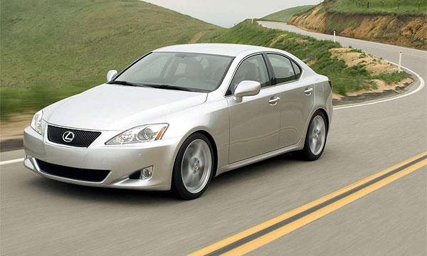 Lexus откроет в США свои курсы водительского мастерства