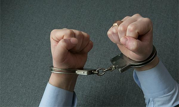 Москвича задержали за инсценировку кражи Infiniti