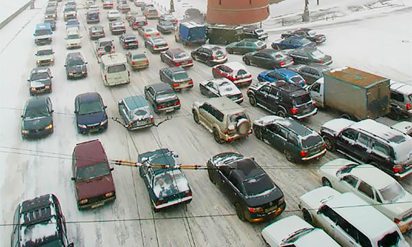 Снежный билет и штраф за выезд: как справиться со снежным коллапсом