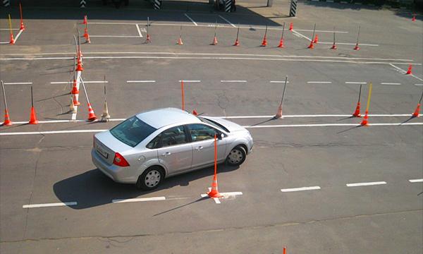 Где и за сколько в Москве научат водить