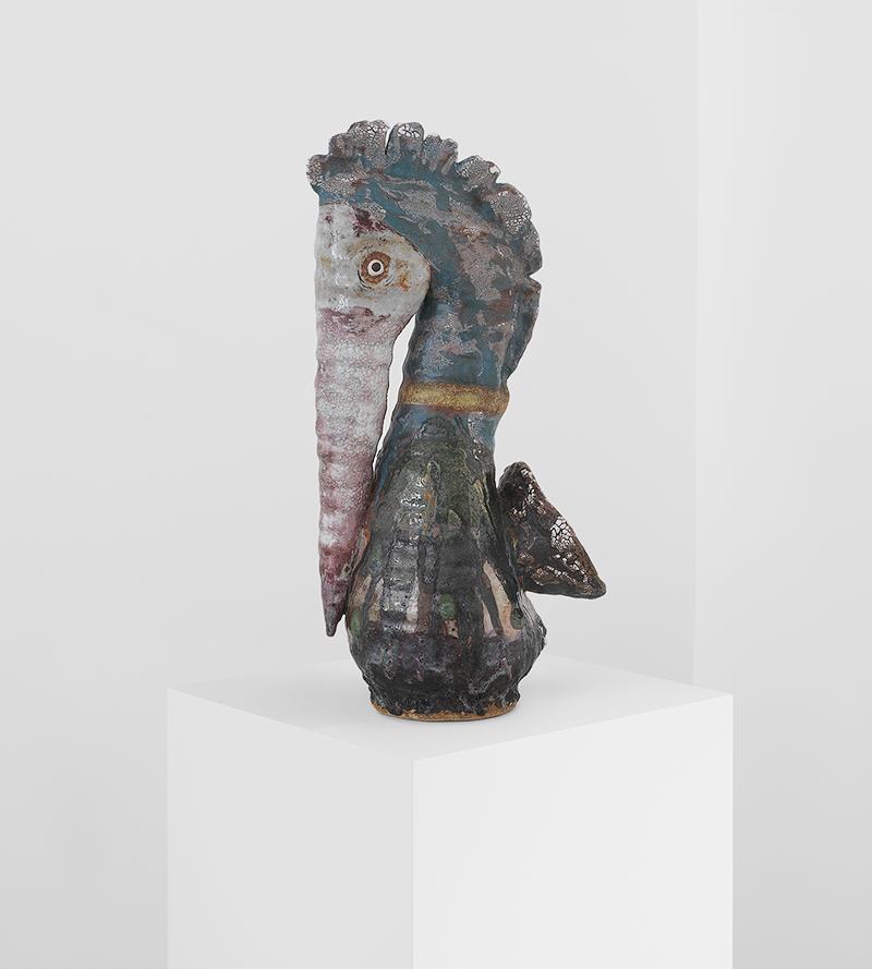 Карин Гулбран, Yellow Banded Pelican; керамика, глазурь. Галерея Pierre Marie Giraud на ярмарке коллекционного дизайна Design Miami/Basel 2019