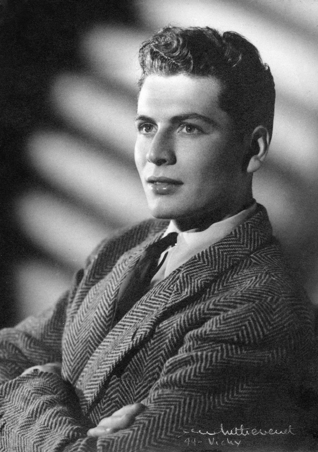 Пьер Карден в 1945 году