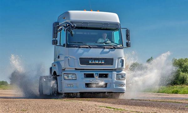 КамАЗ-5490 поступит в серийное производство в октябре