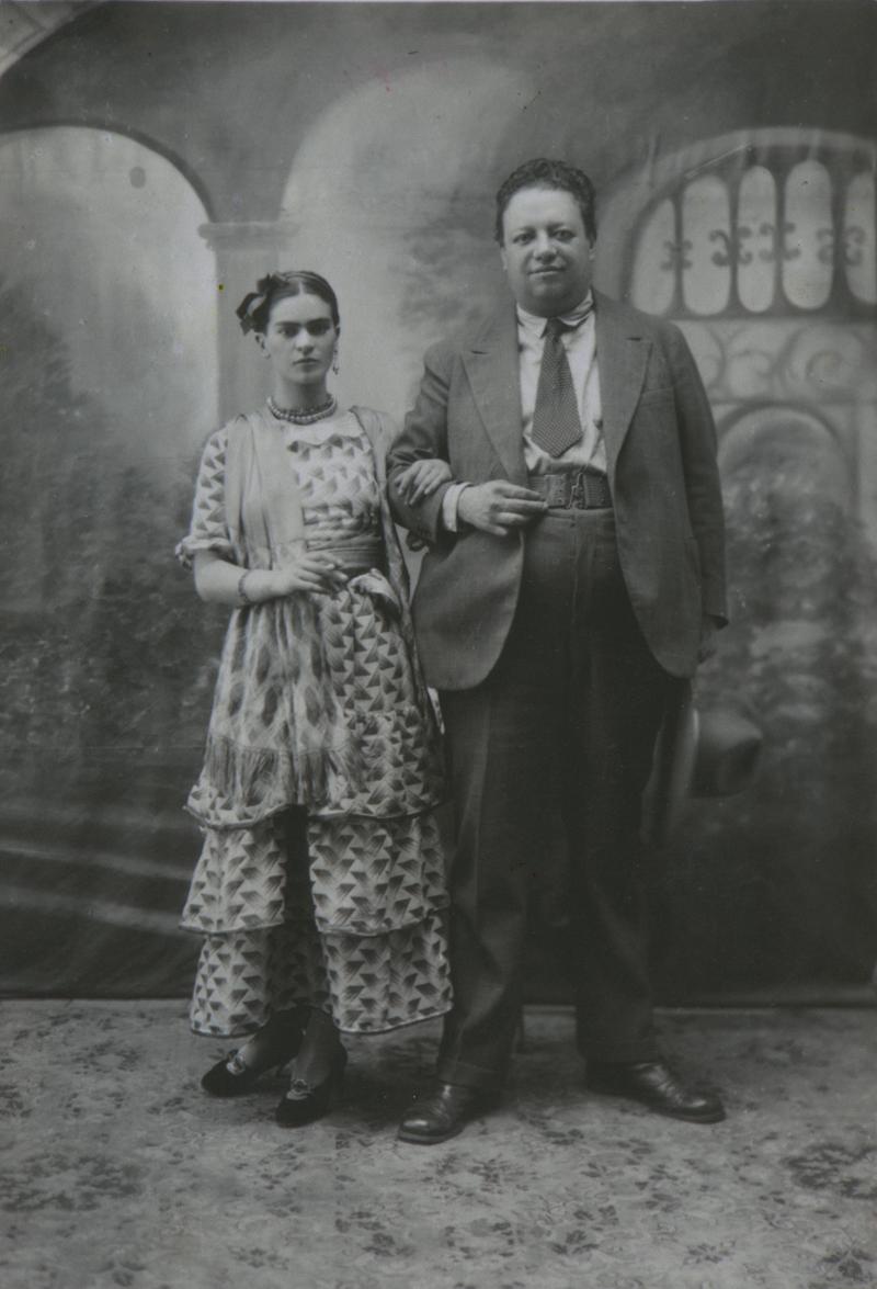 Фрида Кало и Диего Ривера в день своей свадьбы 21 августа 1929 года.