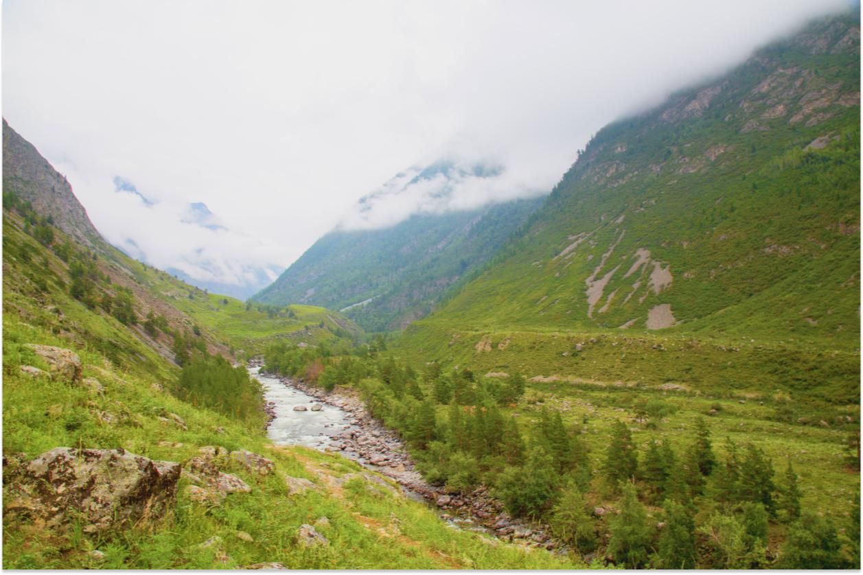 Долина реки Чульча— доступный для ограниченного посещения участок Алтайского государственного природного биосферного заповедника. Особо охраняемая природная территория входит в состав объекта всемирного наследия ЮНЕСКО «Золотые горы Алтая».