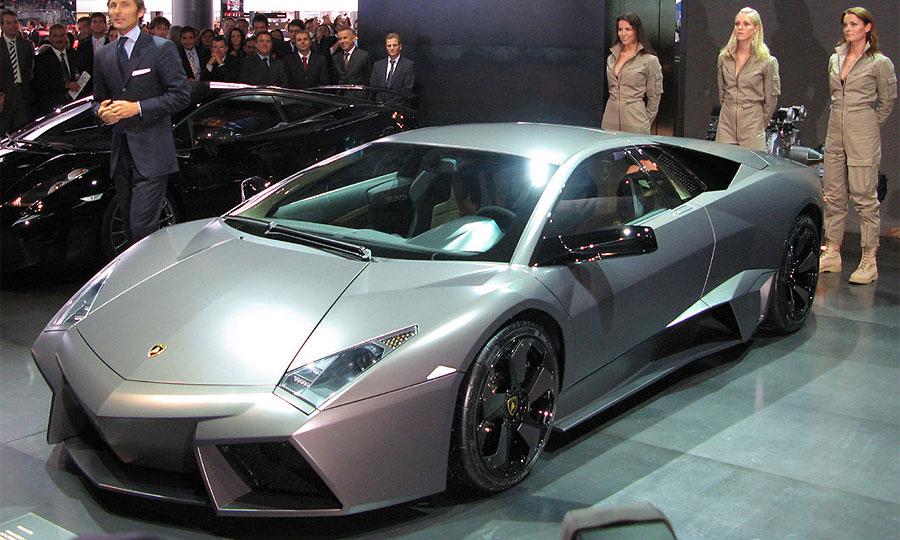 Суперкар Lamborghini Reventon бросил вызов истребителю