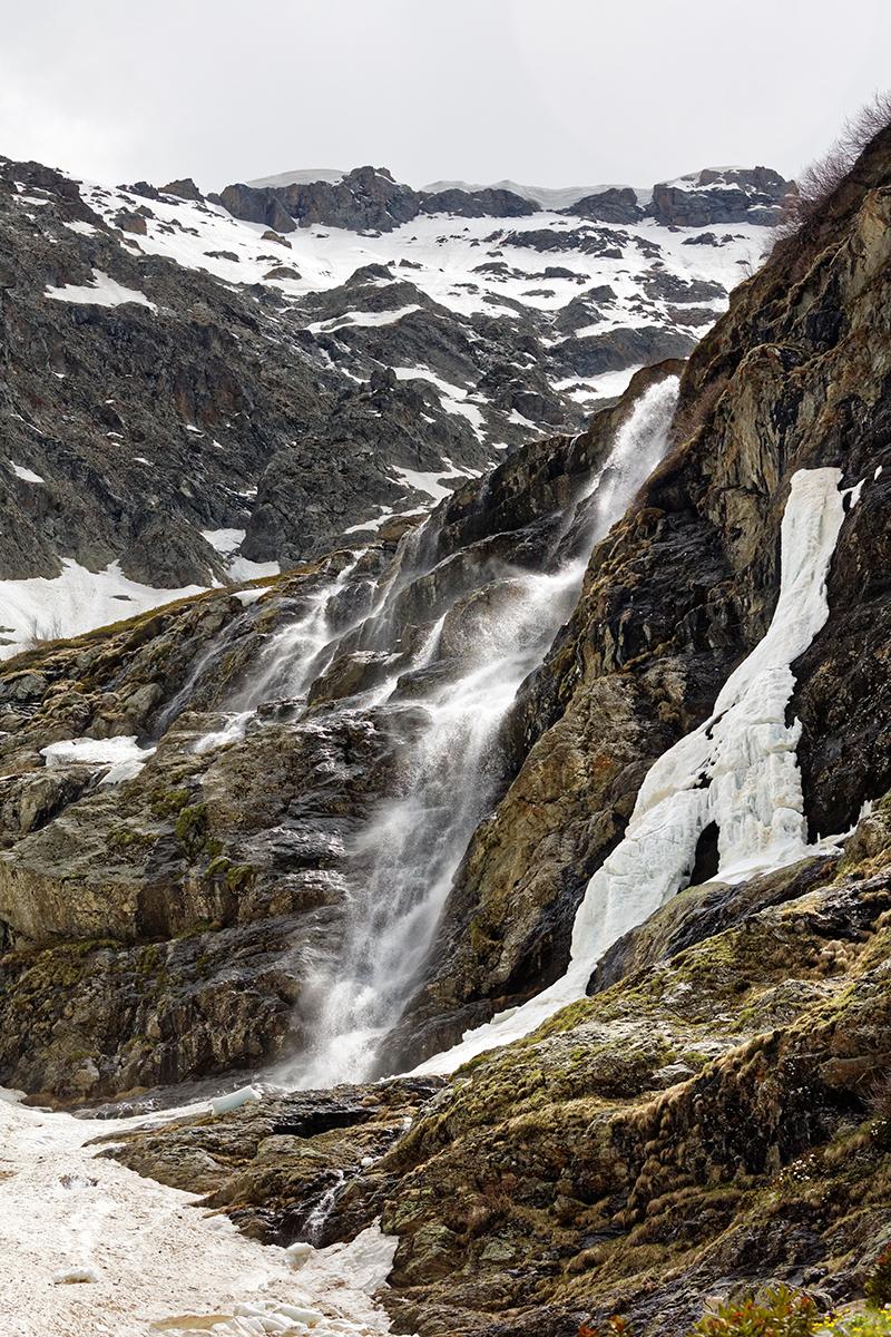 Водопады. Софийский ледник рядом с поселком Архыз, Карачаево-Черкесия