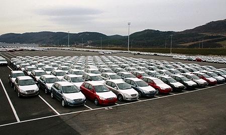 Европейские продажи машин в январе упали на 27%