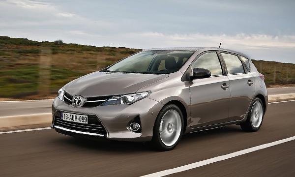Toyota отзывает в России хэтчбеки Auris
