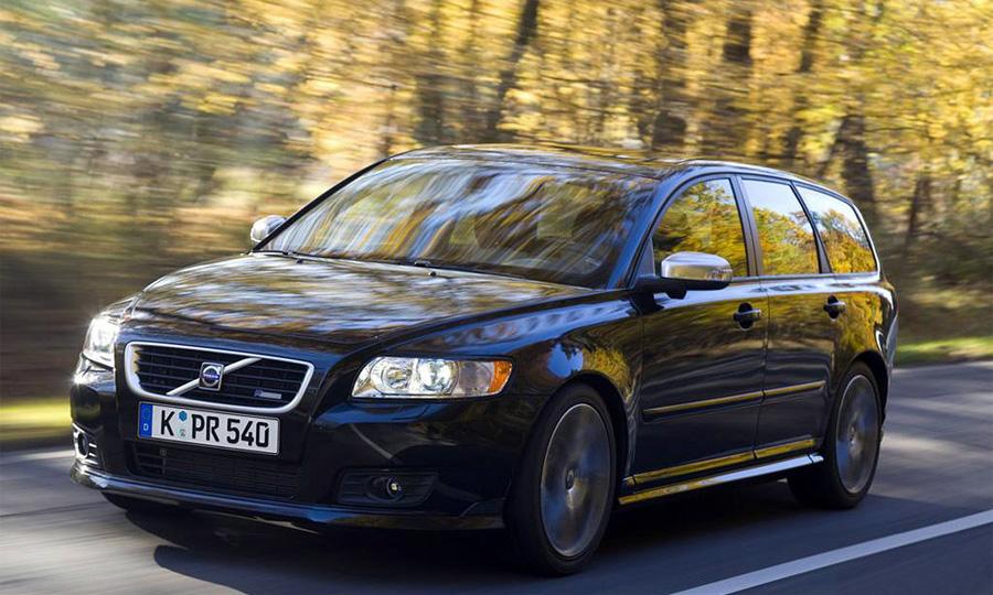 Сарай Volvo V50 обставит не один седан