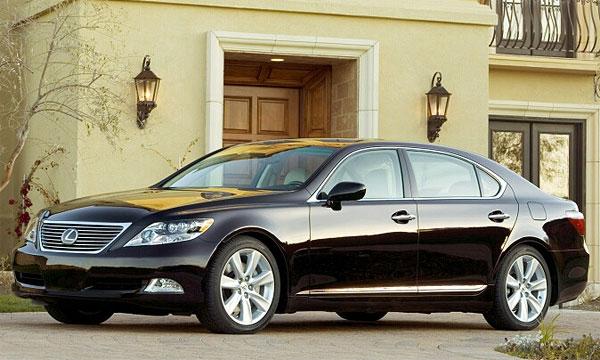 Lexus представил первый серийный гибрид с двигателем V8