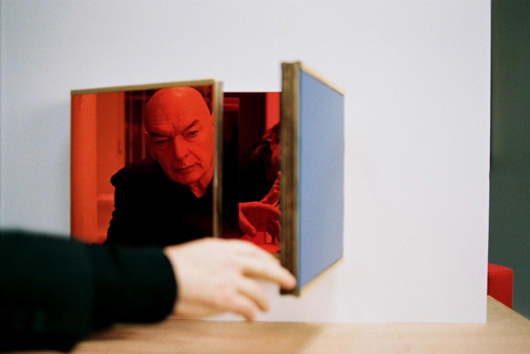 Жан Нувель во время его выставки Triptyques в галерее Gagosian