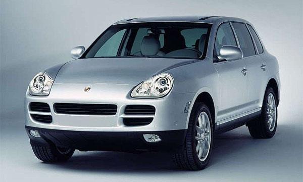 У безработной женщины угнали Porsche Cayenne стоимостью 1,6 млн рублей