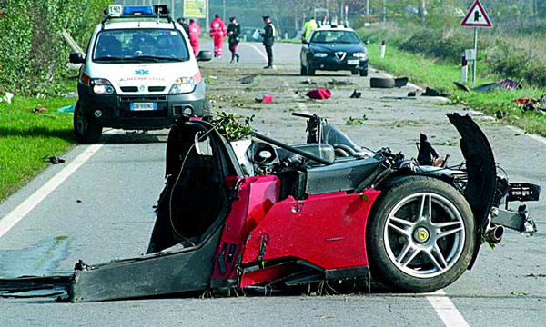 Пожилой американец разбился насмерть на Ferrari Enzo