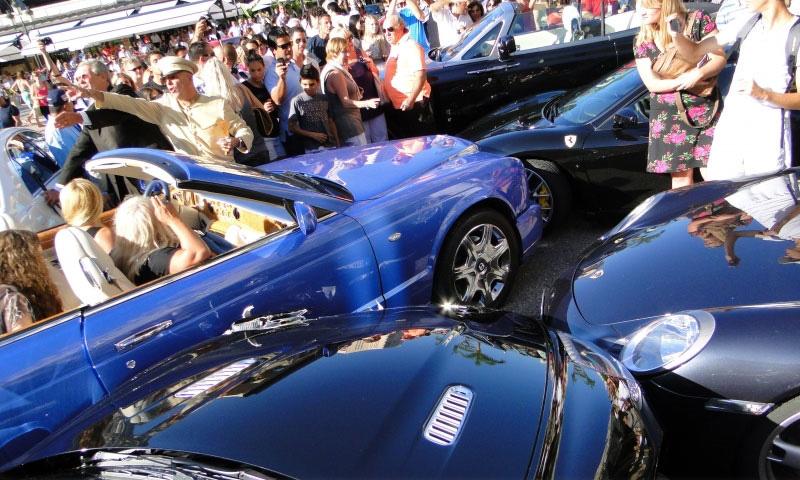 В Монако блондинка разбила суперкары на миллионы долларов