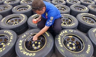 Профсоюзы призывают не покупать шины Goodyear