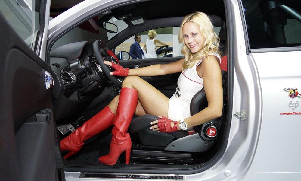 Лучшие девушки автосалона во Франкфурте. ФОТО