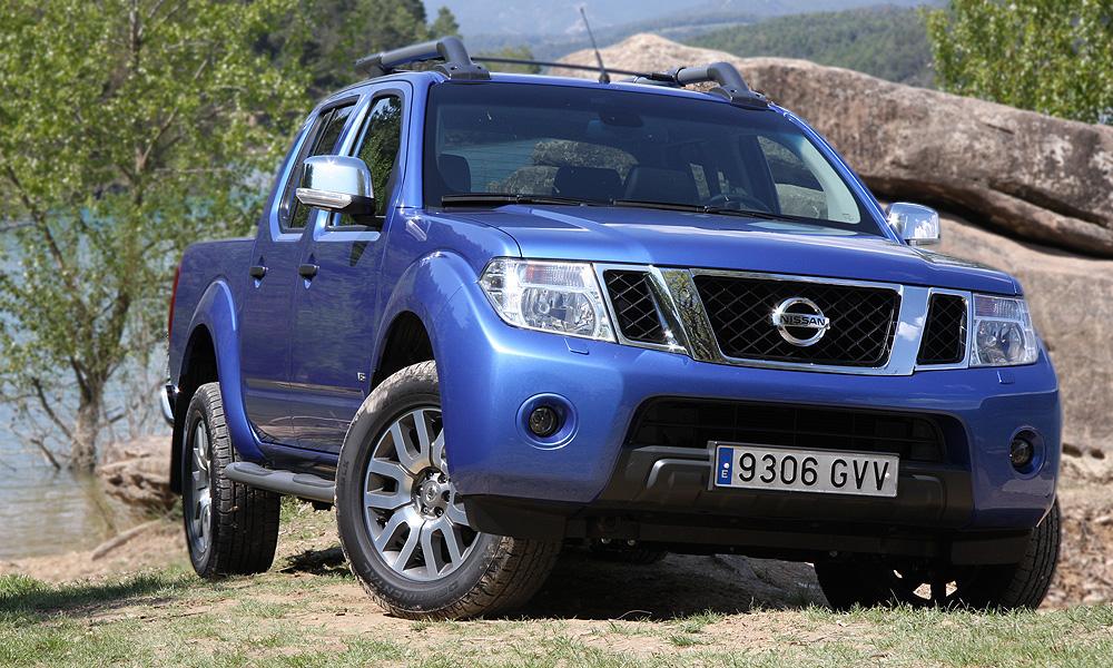 Мощный дуэт – обновленные внедорожник и пикап от Nissan