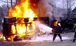 На МКАД столкнулись и сгорели две фуры, водитель одной погиб