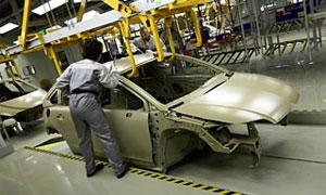 Производство легковых автомобилей в РФ упало на 61%