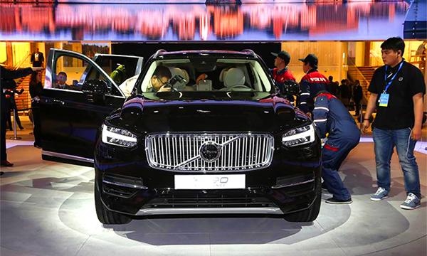 Volvo показала в Шанхае две версии ХС90
