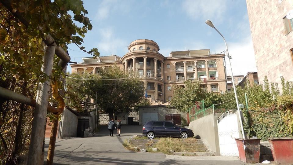 Вид с улицы Сарьяна на здание Союза композиторов